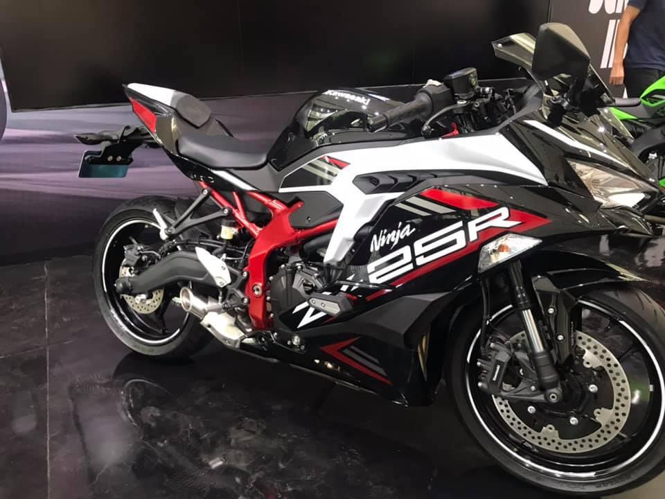 2020 Kawasaki Ninja ZX-25R Price in India [Full Specifications]
